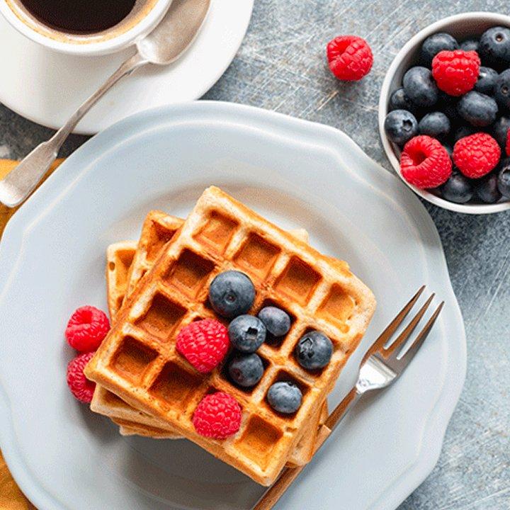 light crispy belgian waffles thumbnail